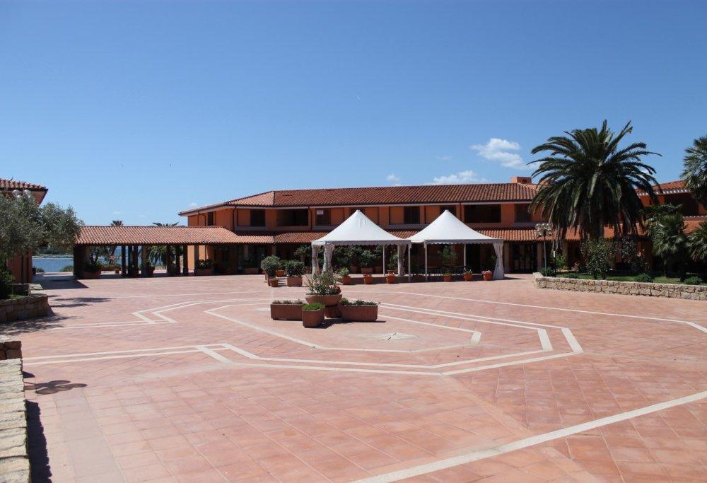 Porto Coda Cavallo Residence img2