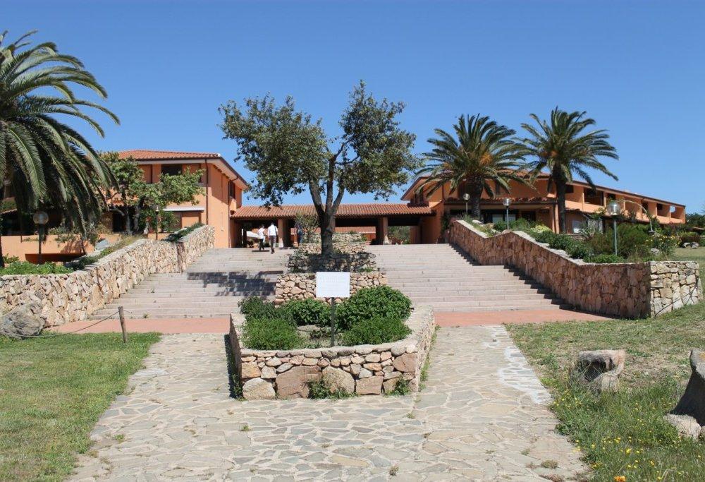 Porto Coda Cavallo Residence img3