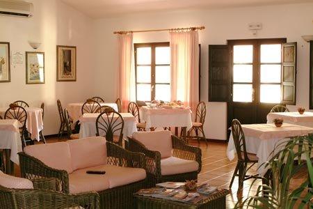 Hotel Sinis Vacanze Sa Pedrera bild4