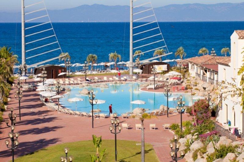 aw sighientu life hotel spa localit marina di capitana quartu sant 39 elena. Black Bedroom Furniture Sets. Home Design Ideas